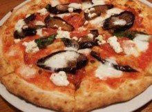 Pizza con Melanzane e Caprino