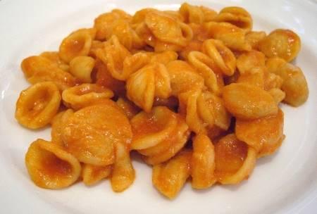Orecchiette con Salsiccia e Zafferano