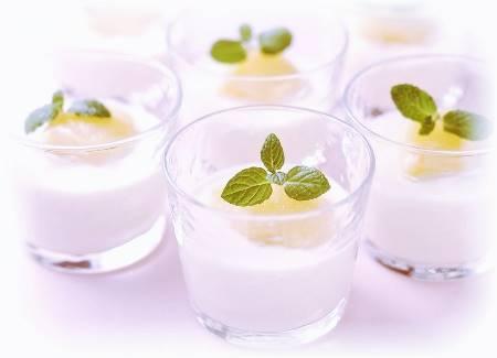 Pesche alla crema di Yogurt
